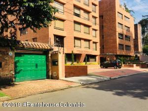 Casa En Ventaen Bogota, La Carolina, Colombia, CO RAH: 22-551