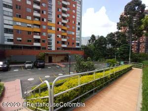 Apartamento En Ventaen Medellin, La Loma De Los Bernal, Colombia, CO RAH: 22-557