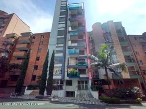 Apartamento En Ventaen Medellin, Laureles, Colombia, CO RAH: 22-562
