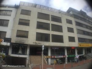 Apartamento En Ventaen Bogota, Santa Barbara Central, Colombia, CO RAH: 22-575