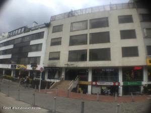 Apartamento En Arriendoen Bogota, Santa Barbara Central, Colombia, CO RAH: 22-576