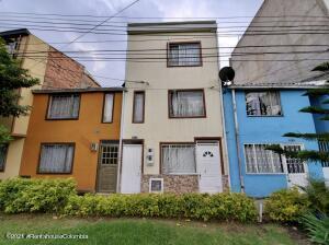Casa En Ventaen Bogota, Pinos De Lombardia, Colombia, CO RAH: 22-598