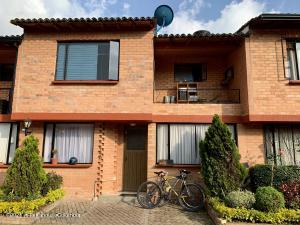 Casa En Ventaen Chia, Vereda Tiquiza, Colombia, CO RAH: 22-599
