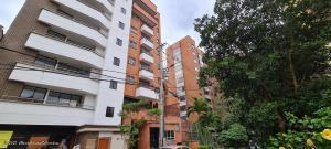 Apartamento En Ventaen Medellin, La Castellana, Colombia, CO RAH: 22-605