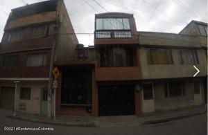 Casa En Ventaen Bogota, Sabanas Del Dorado, Colombia, CO RAH: 22-611