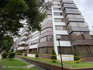 Apartamento En Arriendoen Bogota, Santa Barbara Central, Colombia, CO RAH: 22-646