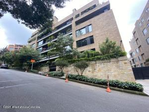 Apartamento En Arriendoen Bogota, El Retiro, Colombia, CO RAH: 22-654