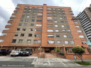 Apartamento En Ventaen Bogota, La Calleja, Colombia, CO RAH: 22-673