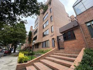 Apartamento En Ventaen Bogota, Chico, Colombia, CO RAH: 22-682