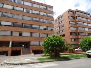 Apartamento En Ventaen Bogota, Colina Campestre, Colombia, CO RAH: 22-697