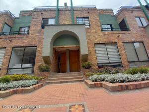 Casa En Ventaen Bogota, Cedritos, Colombia, CO RAH: 22-699
