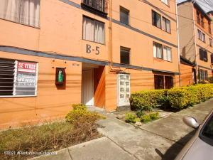 Apartamento En Ventaen Medellin, Robledo, Colombia, CO RAH: 22-774