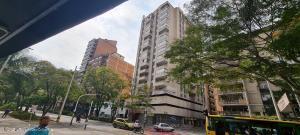 Apartamento En Ventaen Medellin, Centro La Candelaria, Colombia, CO RAH: 22-721