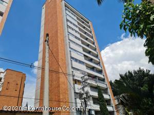 Apartamento En Ventaen Medellin, Conquistadores, Colombia, CO RAH: 22-728