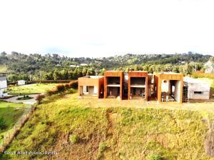 Casa En Ventaen Medellin, Corregimiento Santa Elena, Colombia, CO RAH: 22-731