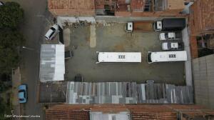 Terreno En Ventaen Medellin, La America, Colombia, CO RAH: 22-734