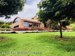 Casa En Ventaen Tabio, Vereda Rio Frio, Colombia, CO RAH: 22-744