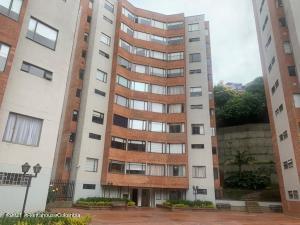 Apartamento En Arriendoen Bogota, Los Rosales, Colombia, CO RAH: 22-745