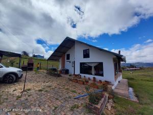 Casa En Ventaen Nemocon, Vereda Cerro Verde, Colombia, CO RAH: 22-752