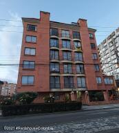 Apartamento En Arriendoen Bogota, Cedritos, Colombia, CO RAH: 22-762