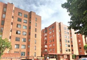 Apartamento En Ventaen Bogota, Nueva Autopista, Colombia, CO RAH: 22-764