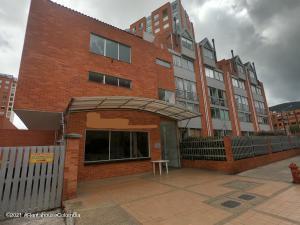 Apartamento En Ventaen Bogota, Cedritos, Colombia, CO RAH: 22-765