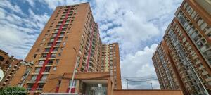 Apartamento En Ventaen Bogota, Colina Campestre, Colombia, CO RAH: 22-779