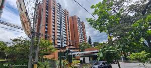 Apartamento En Ventaen Envigado, Loma De Las Brujas, Colombia, CO RAH: 22-788
