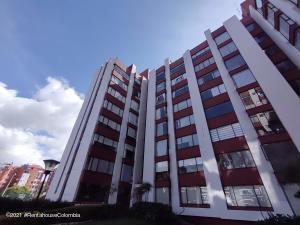 Apartamento En Ventaen Bogota, Country Club, Colombia, CO RAH: 22-789