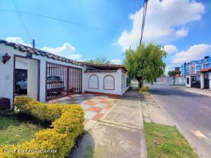 Casa En Ventaen Bogota, Modelia, Colombia, CO RAH: 22-793