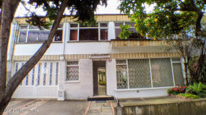 Casa En Arriendoen Bogota, La Castellana, Colombia, CO RAH: 22-810