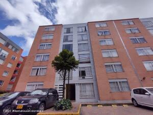 Apartamento En Ventaen Bogota, Villa Alsacia, Colombia, CO RAH: 22-812