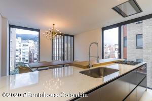 Apartamento En Ventaen Bogota, Chico Norte, Colombia, CO RAH: 22-818