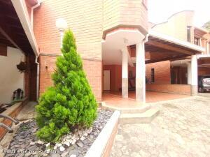 Casa En Ventaen Medellin, Loma Del Tesoro, Colombia, CO RAH: 22-573
