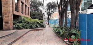 Parqueadero En Ventaen Bogota, Chico Norte, Colombia, CO RAH: 22-836