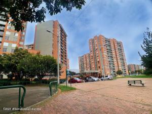 Apartamento En Ventaen Bogota, San Antonio Noroccidental, Colombia, CO RAH: 22-845