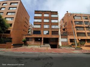 Apartamento En Ventaen Bogota, Chico Norte, Colombia, CO RAH: 22-975