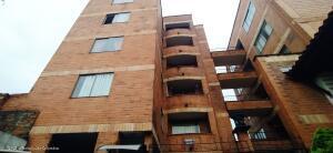Apartamento En Ventaen Envigado, Milan-Vallejuelos, Colombia, CO RAH: 22-866