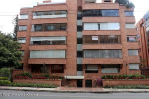 Apartamento En Ventaen Bogota, La Carolina, Colombia, CO RAH: 22-870