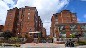 Apartamento En Ventaen Bogota, Villemar Fontibon, Colombia, CO RAH: 22-873