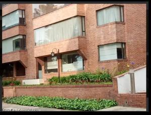 Apartamento En Arriendoen Bogota, La Carolina, Colombia, CO RAH: 22-871