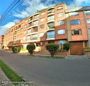 Apartamento En Ventaen Bogota, El Batán, Colombia, CO RAH: 22-881