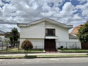 Casa En Arriendoen Bogota, Santa Barbara Oriental, Colombia, CO RAH: 22-889