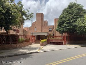 Casa En Ventaen Bogota, El Contador, Colombia, CO RAH: 22-897