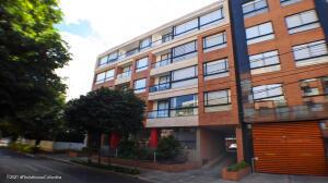 Apartamento En Arriendoen Bogota, Pasadena, Colombia, CO RAH: 22-901