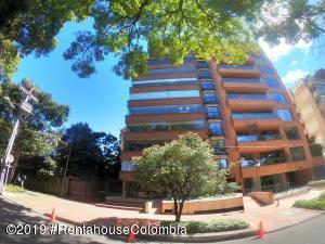 Apartamento En Arriendoen Bogota, La Cabrera, Colombia, CO RAH: 22-918