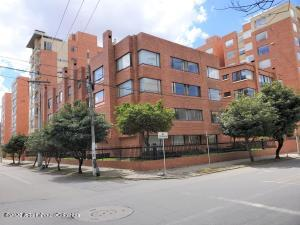 Apartamento En Ventaen Bogota, Chico Norte, Colombia, CO RAH: 22-1006