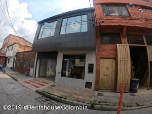 Local Comercial En Ventaen Bogota, Los Cerezos, Colombia, CO RAH: 22-1031