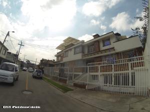 Casa En Ventaen Bogota, Normandia, Colombia, CO RAH: 22-1034