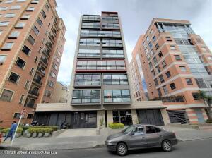 Oficina En Ventaen Bogota, Chico Norte, Colombia, CO RAH: 22-1035